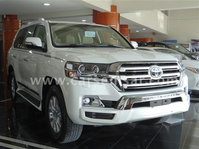 2017 Toyota Land Cruiser GXR White Edition