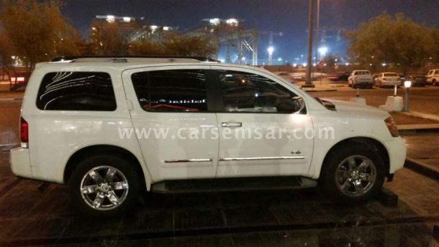 2011 nissan armada le for sale in qatar new and used cars for sale in qatar. Black Bedroom Furniture Sets. Home Design Ideas
