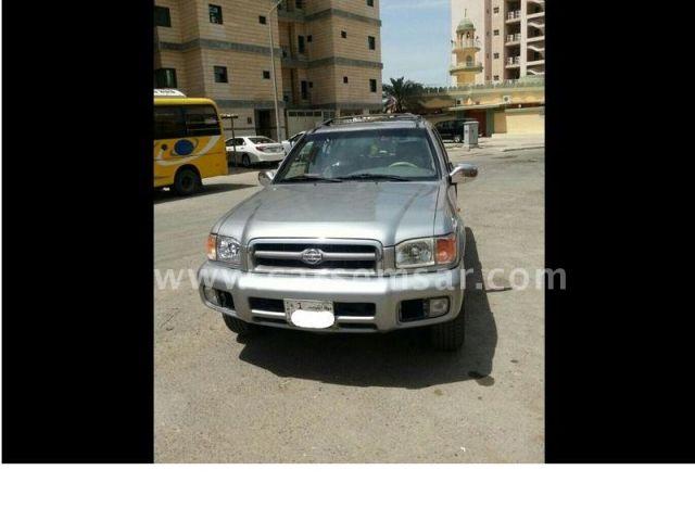 2000 Nissan Pathfinder SE