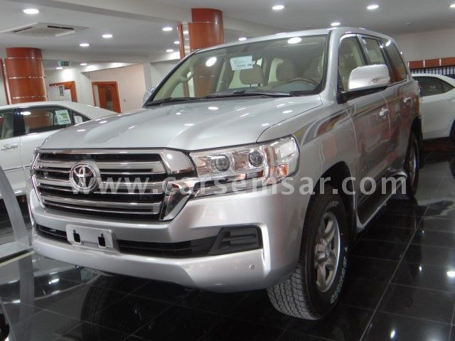 2017 Toyota Land Cruiser GXR