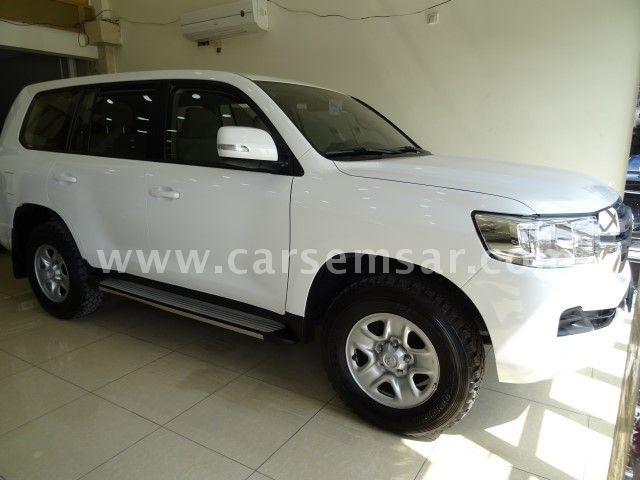 2016 Toyota Land Cruiser G