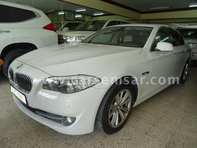 2012 BMW 5-series 520i
