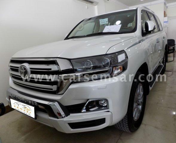 2017 Toyota Land Cruiser GXR White Edition