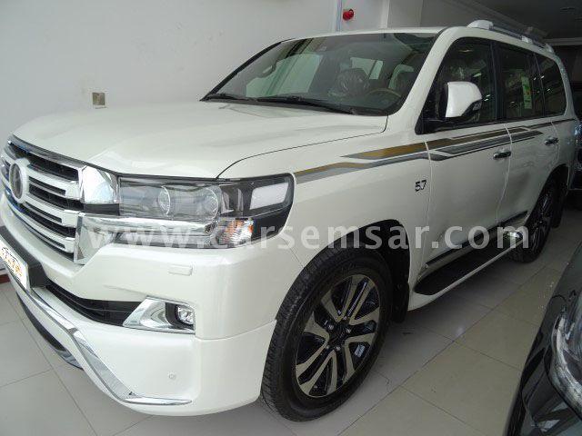 2018 Toyota Land Cruiser VXS White Edition