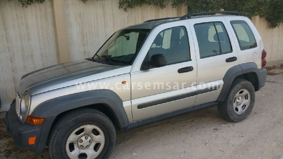 2007 jeep liberty limited 4x4 for sale in qatar new and used cars for sale in qatar. Black Bedroom Furniture Sets. Home Design Ideas