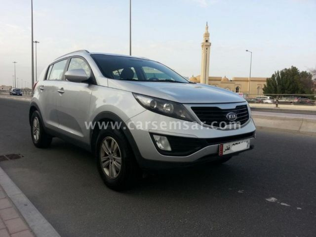 2012 kia sportage 2 0 for sale in qatar new and used cars for sale in qatar. Black Bedroom Furniture Sets. Home Design Ideas