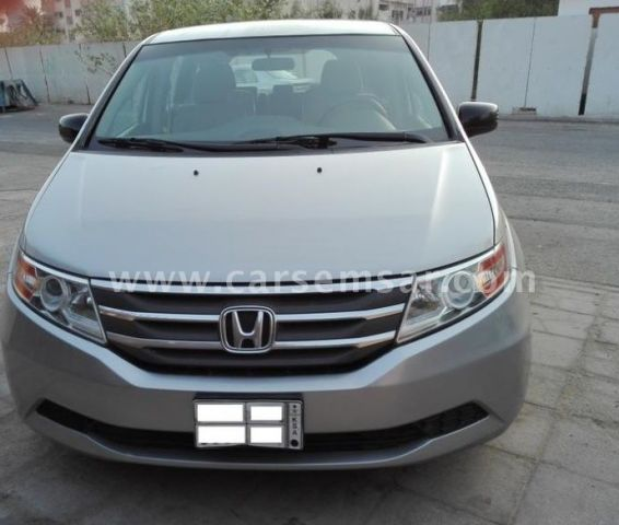 2013 honda odyssey 3 5 vtec for sale in qatar new and used cars for sale in qatar. Black Bedroom Furniture Sets. Home Design Ideas