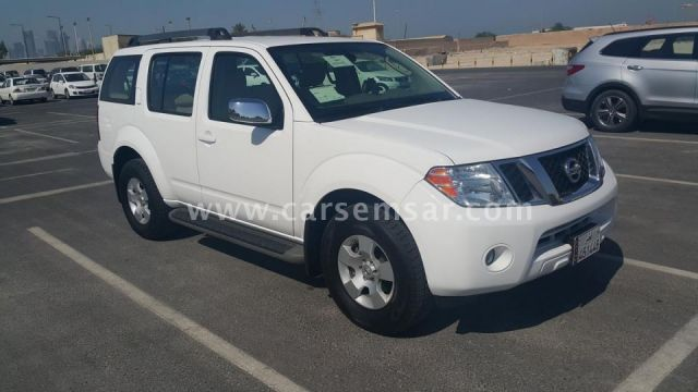 2011 nissan pathfinder se for sale in qatar new and used cars for sale in qatar. Black Bedroom Furniture Sets. Home Design Ideas