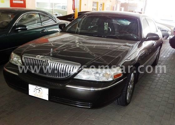 2005 lincoln town car signature limited for sale in bahrain new and used cars for sale in bahrain. Black Bedroom Furniture Sets. Home Design Ideas