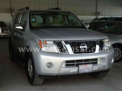 2011 Nissan Pathfinder SE