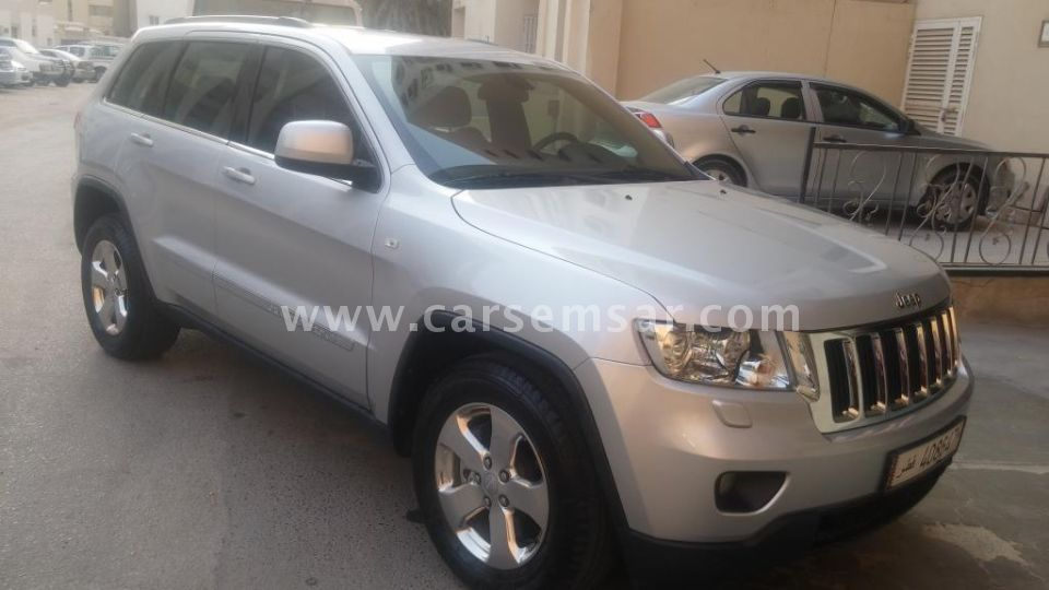 2011 Jeep Grand Cherokee Laredo for sale in Qatar - New and used