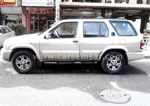 2000 Nissan Pathfinder SE for sale in Kuwait - New and used