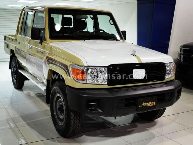 2015 Toyota Land Cruiser Pickup LX