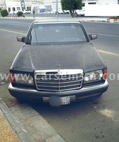 1990 Mercedes-Benz E-Class E 300