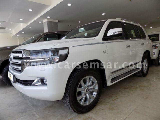 2017 Toyota Land Cruiser VXR White Edition