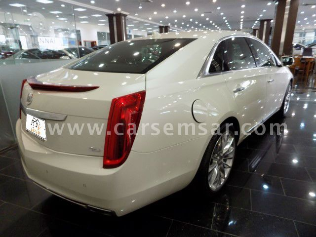 2013 cadillac xts 4 platinum for sale in qatar new and used cars for sale in qatar. Black Bedroom Furniture Sets. Home Design Ideas