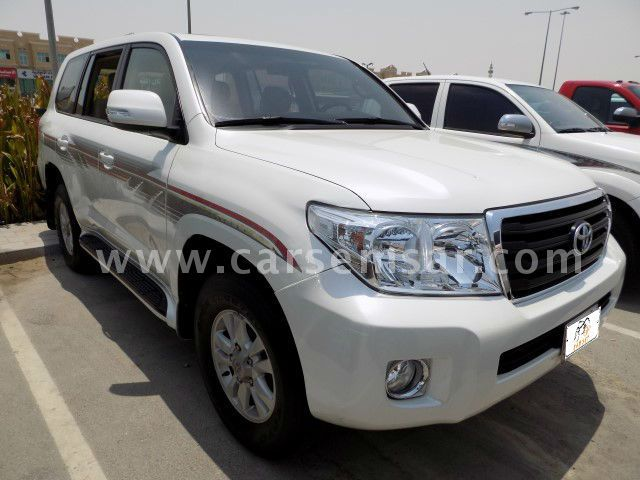 2012 toyota land cruiser gxr for sale in qatar new and used cars for sale in qatar. Black Bedroom Furniture Sets. Home Design Ideas