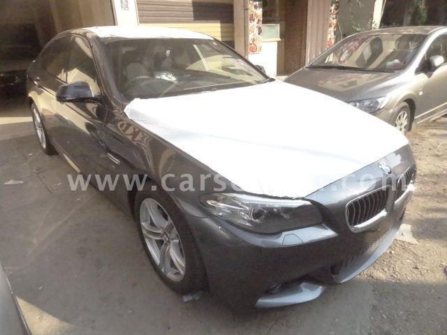 2016 BMW 5-Series 520i