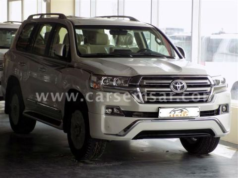 2018 Toyota Land Cruiser GXR