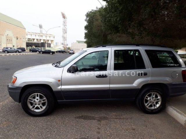 2004 Jeep Grand Cherokee Laredo V8
