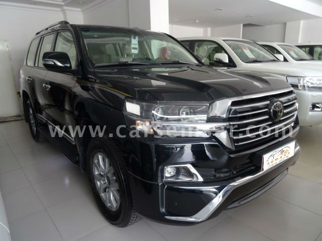 2018 Toyota Land Cruiser GXR V8 Black Edition