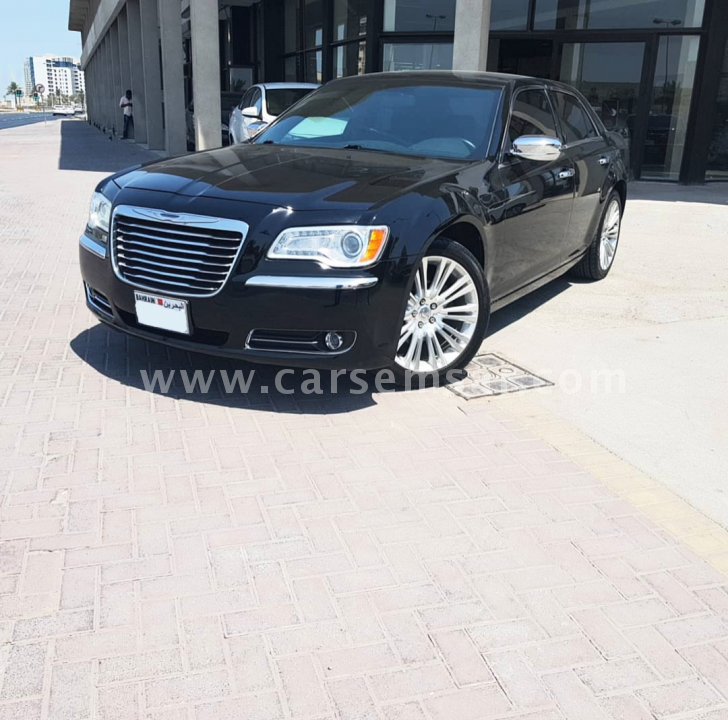 2013 كرايسلير 300C للبيع في البحرين