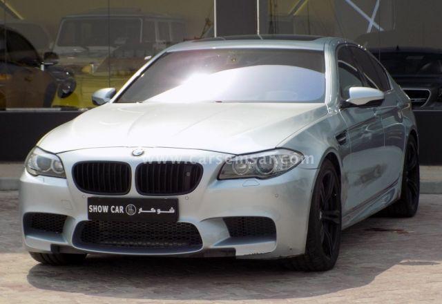 2012 BMW M5 V8