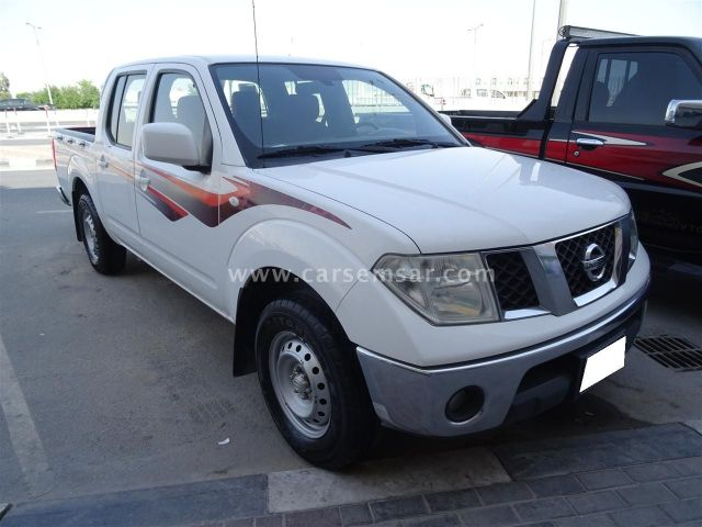 2012 Nissan Navara SE