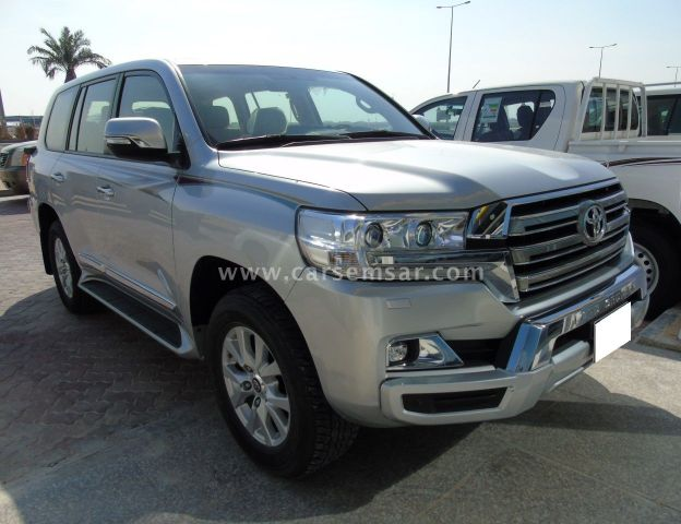 2018 Toyota Land Cruiser GXR V8