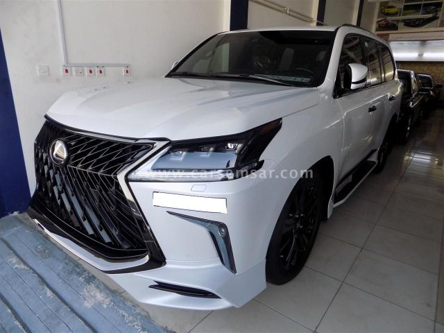 2019 Lexus LX 570 Black Edition