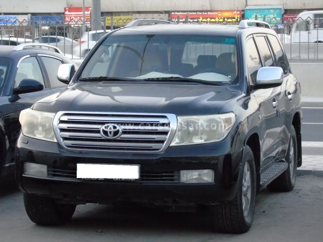 2011 Toyota Land Cruiser GXR