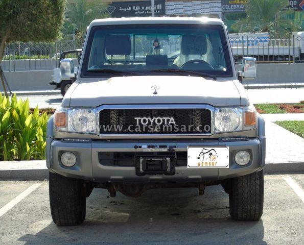 2015 Toyota Land Cruiser Pickup LX