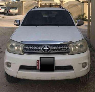 2010 Toyota Fortuner SR5