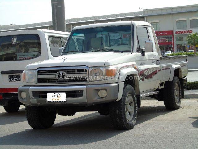2009 Toyota Land Cruiser Pickup LX