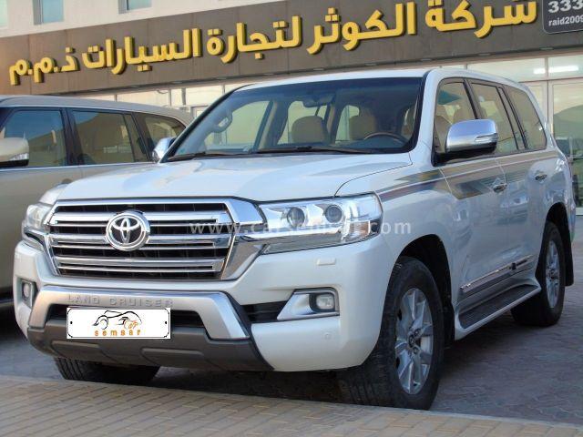2016 Toyota Land Cruiser GXR V8