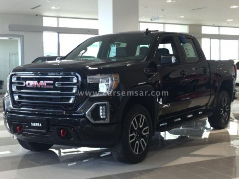 2019 GMC Sierra AT4 6.2 L V8 Crew Cab