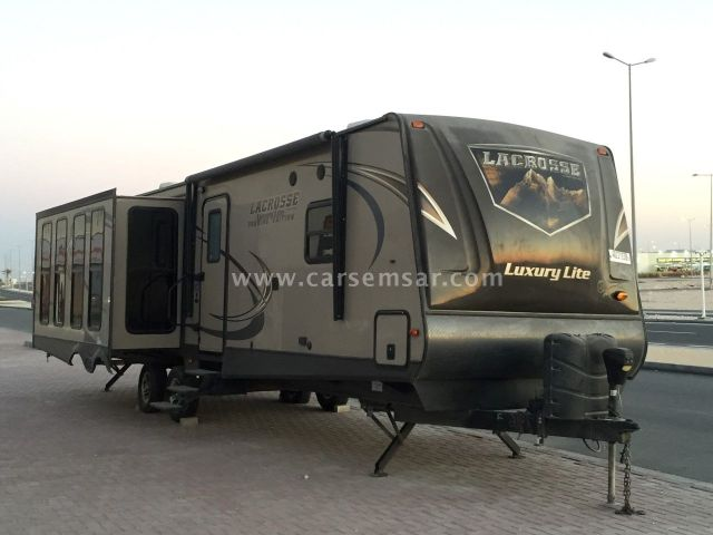 2014 Caravan Lacrosse Luxury Lite