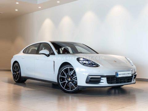 2018 Porsche Panamera 4 Executive