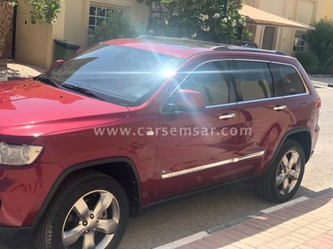 2012 Jeep Grand Cherokee Overland for sale in Qatar - New and used