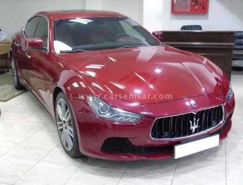 2015 Maserati Ghibli Standard