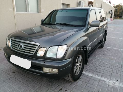 2002 Lexus LX 570