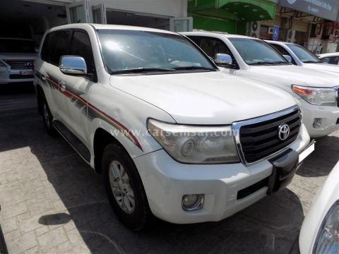 2012 Toyota Land Cruiser GXR V8
