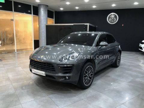 2018 Porsche Macan 2.0