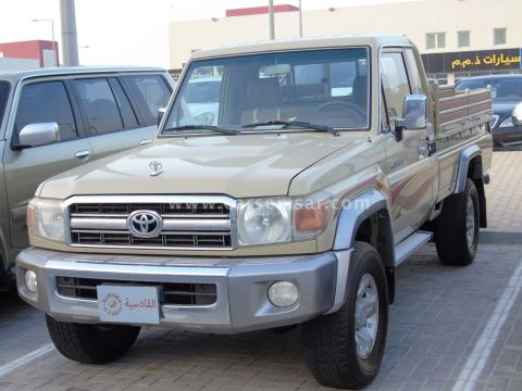 2009 Toyota Land Cruiser Pickup LX