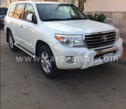2013 Toyota Land Cruiser GXR V8