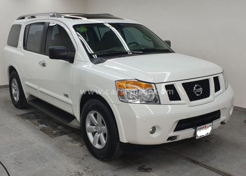 2013 Nissan Armada SE
