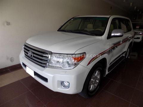 2013 Toyota Land Cruiser GXR V8