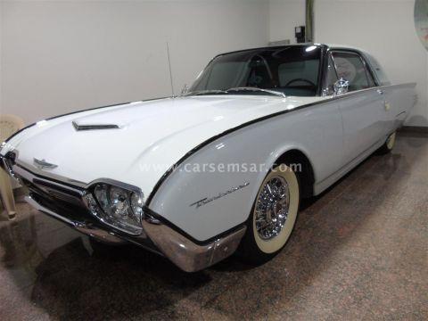 1961 فورد Thunderbird Premium
