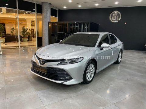 2019 Toyota Camry GLE