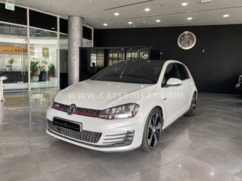 2015 Volkswagen Golf GTi 2.0 L